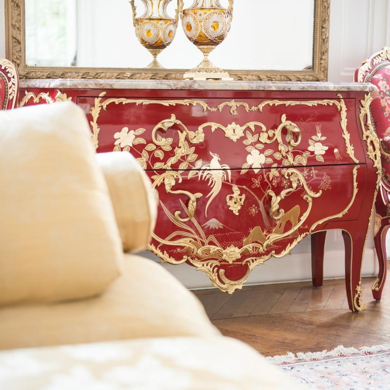 Commode Delorme rouge Laque de Chine
