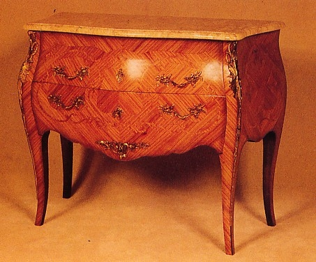 Commode Poteau style Louis XV